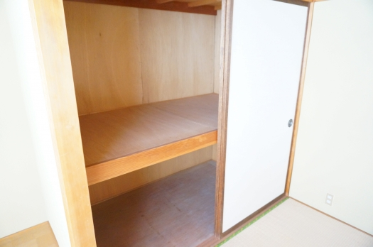 住居部分:和室収納