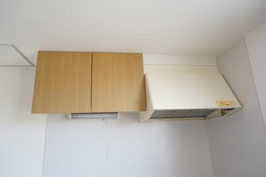キッチン上部収納・換気扇