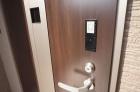 カードキー付き玄関ドア